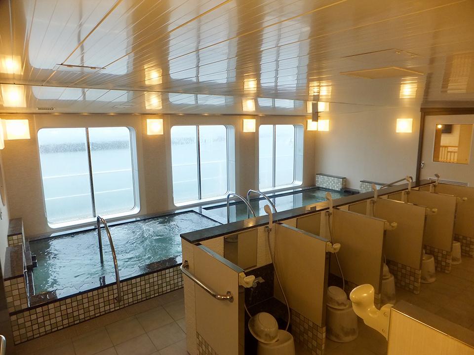 大海原を眺めながらの大浴場(サウナ付き)